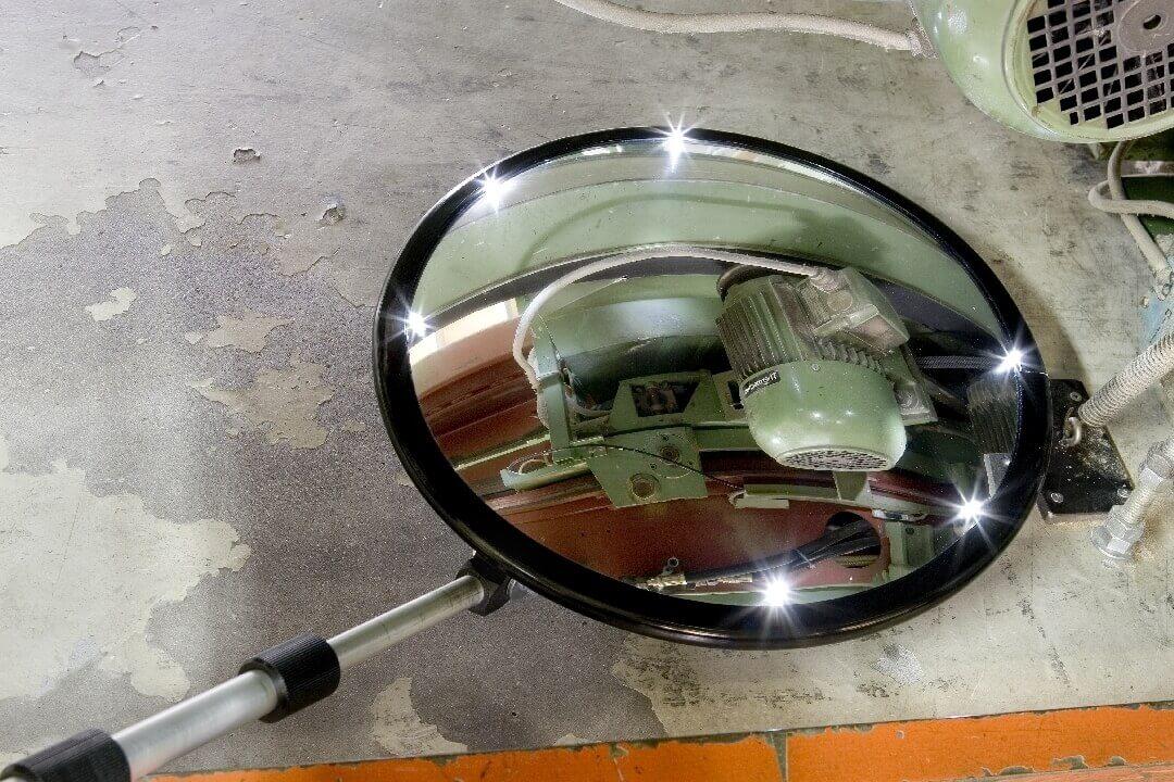 Inspektionsspiegel rund 35 cm, mit Rollenfüßen und Licht